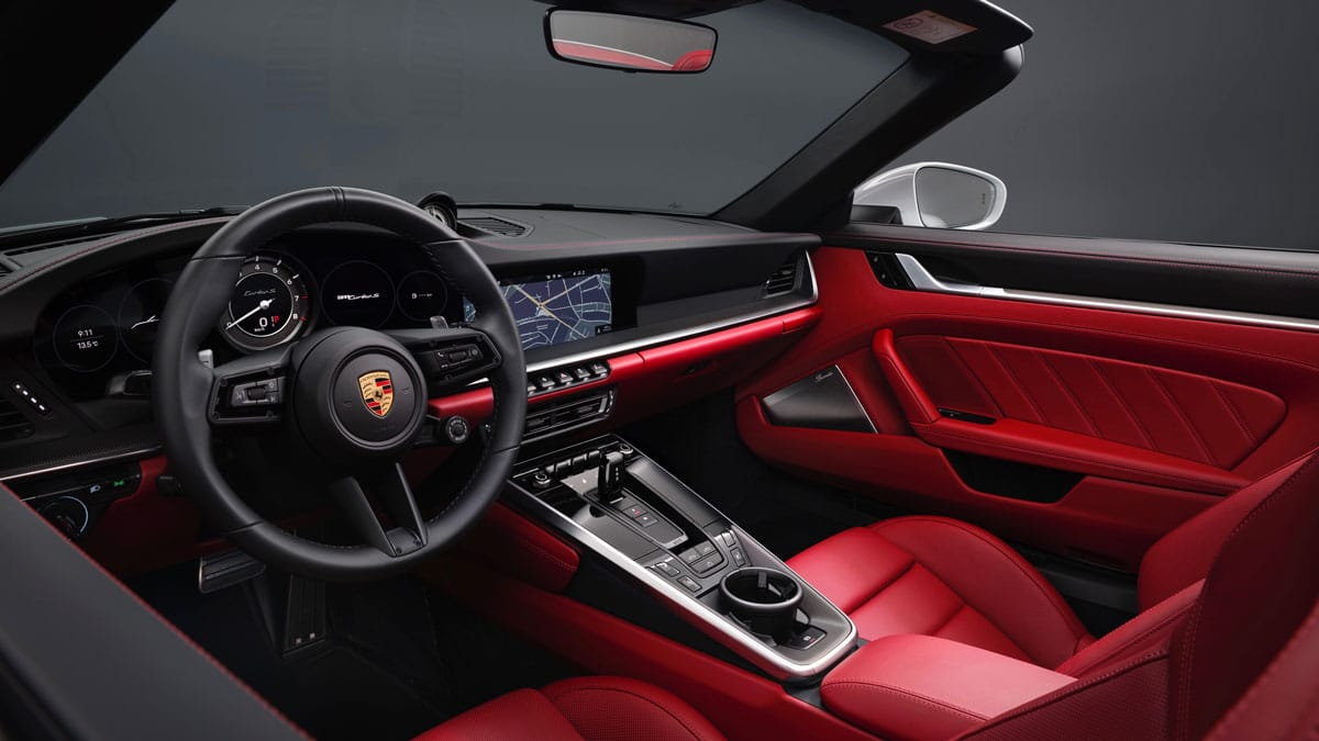 porsche 911 turbo s cabriolet 992 intérieur